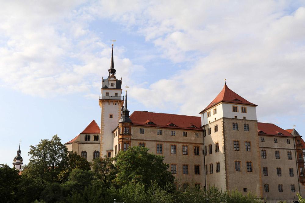 Der hausmannsturm von Schloss Hartenfels in Torgau ist 53 Meter hoch