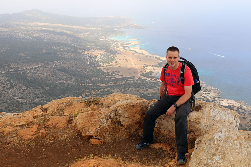Die Aussicht von der Akamas Halbinsel auf Zypern zum Meer und zur Küste ist spektakulär
