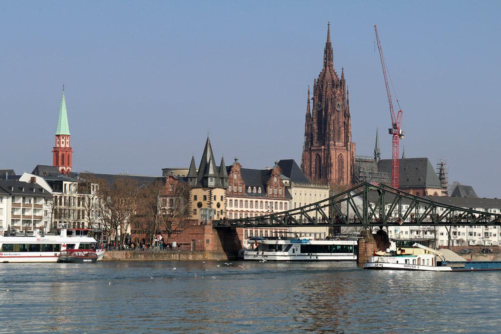 Der Kaiserdom in Frankfurt ist der größte Sakralbau der Stadt