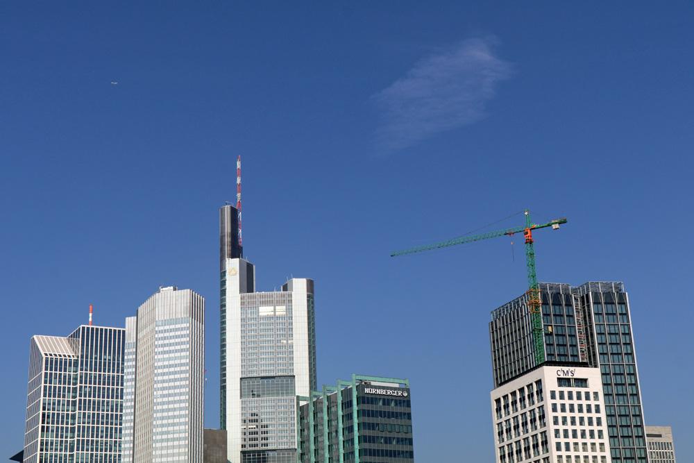 Viele der Hochhäuser Frankfurts sind von hier zu sehen.