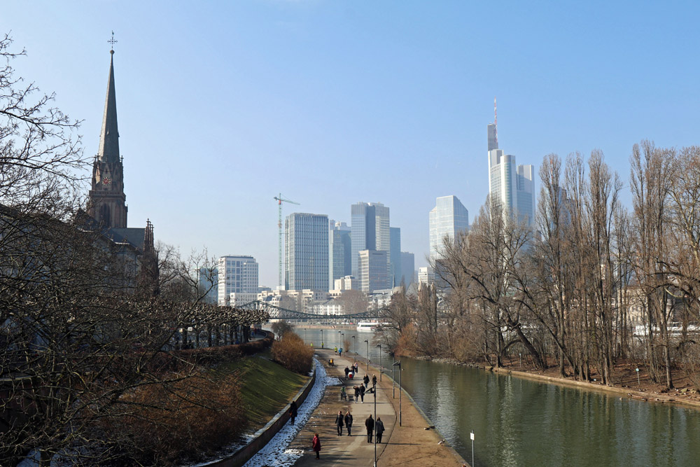 Für einen schönen Aussichtspunkt in Frankfurt muss es nicht immer hoch hinaus gehen.