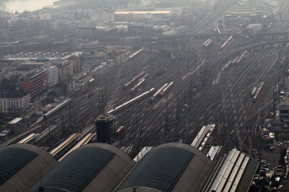 Lufthaufnahme - Der Hauptbahnhof Frankfurt von oben
