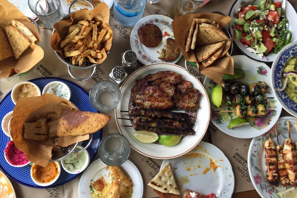 Beim essen auf Zypern ist für jeden Geschmack ist etwas dabei