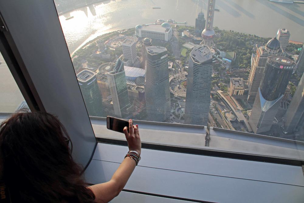 Von der Aussichtsplattform des Shanghai Towers ergeben sich spektakuläre Foto-Möglichkeiten.