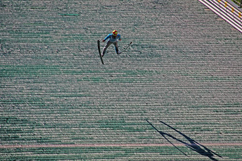 Auch im Sommer kann man Skispringer auf der Sprungschanze am Bergisel in Innsbruck sehen
