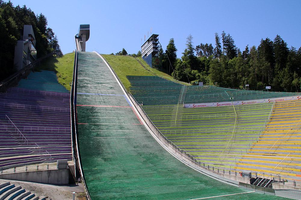 Auch im Sommer kommt im Skisprungstadion am Bergisel in Innsbruck Gänsehautfeeling auf