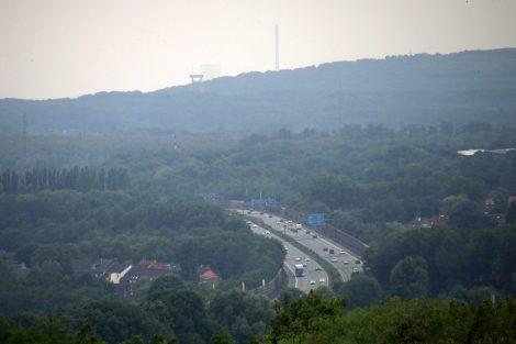 Die Halde Rungenberg in Gelsenkirchen liegt direkt an der Autobahn