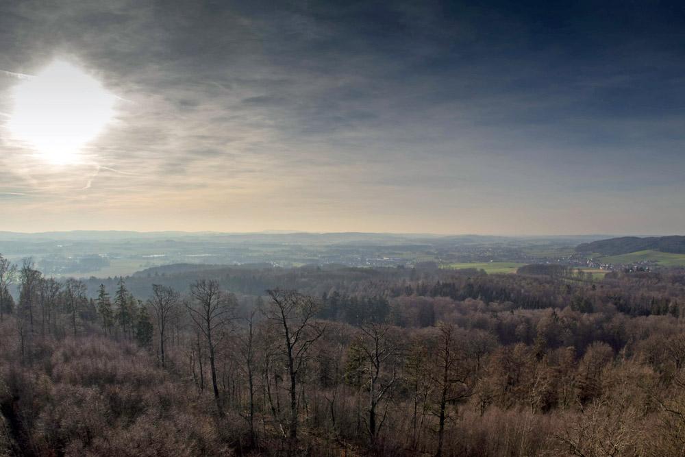 Aussicht von der Diedrichsburg im Wildschweinpark Melle über das Panorama im Osnabrücker Land