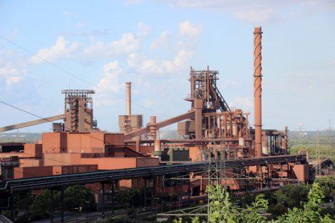 Blick auf die Schwerindustrie in Duisburg