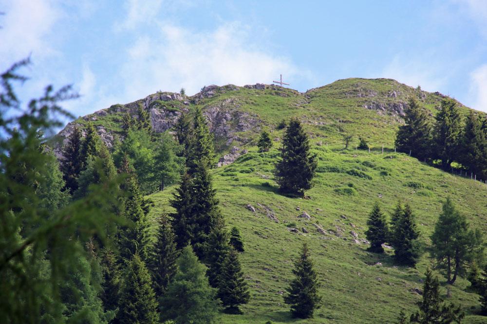 Der Gipfel des Haubergs in Österreich am Walchsee
