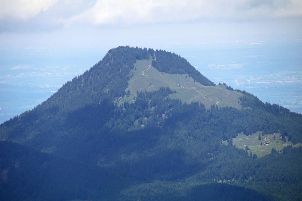Der Berg Kranzhorn an der Grenze zwischen Bayern und Österreich im Inntal
