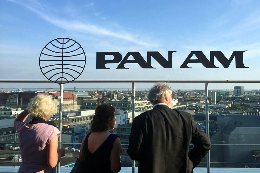 Die Pan Am Lounge gehört zu den schönsten Aussichtspunkten in Berlin