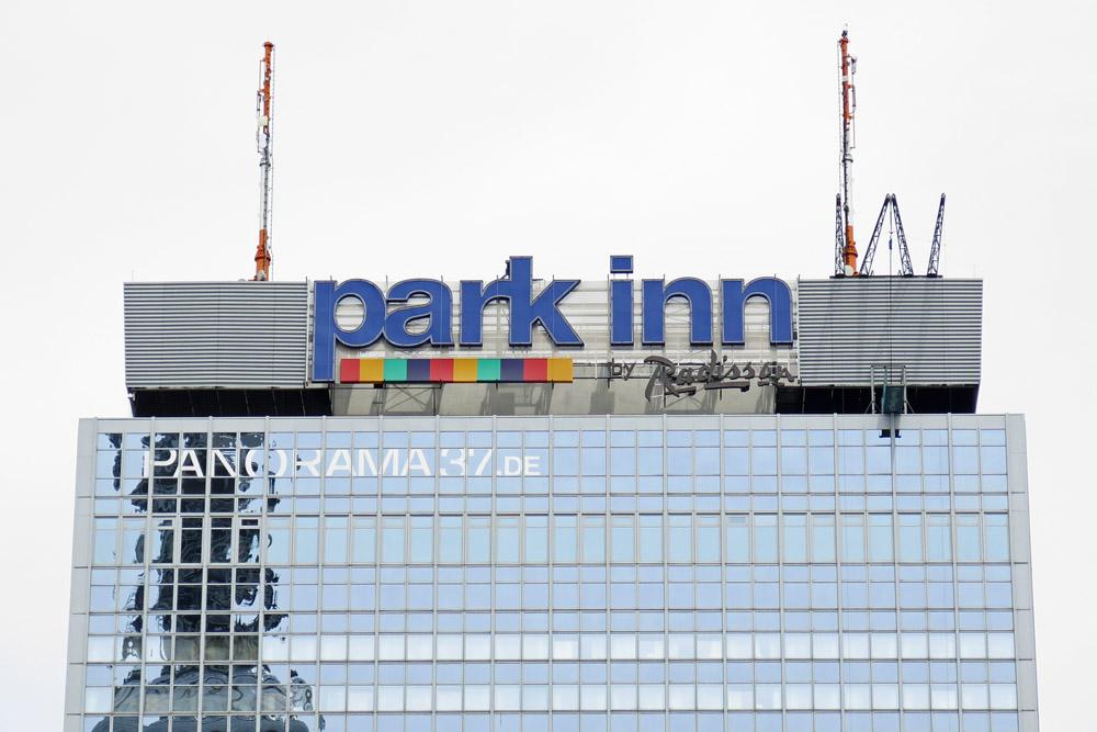 Das Park Inn Hotel zählt zu den schönsten Aussichtspunkten in Berlin. Von der Aussichtsplattform haben Besucher eine tolle Aussicht über die Stadt