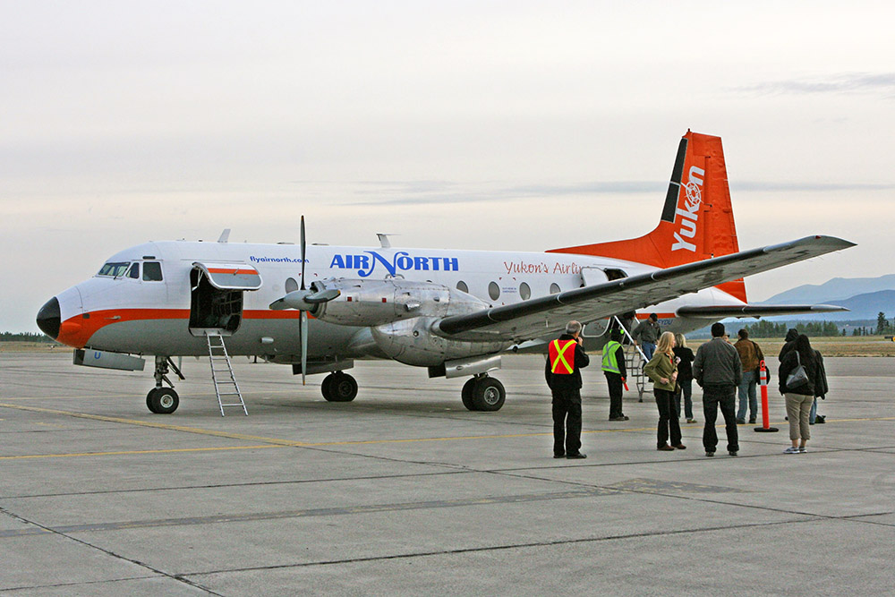 Flugzeug Oldtimer Hawker Siddeley 478 der Air North im Yukon Whitehorse Kanada