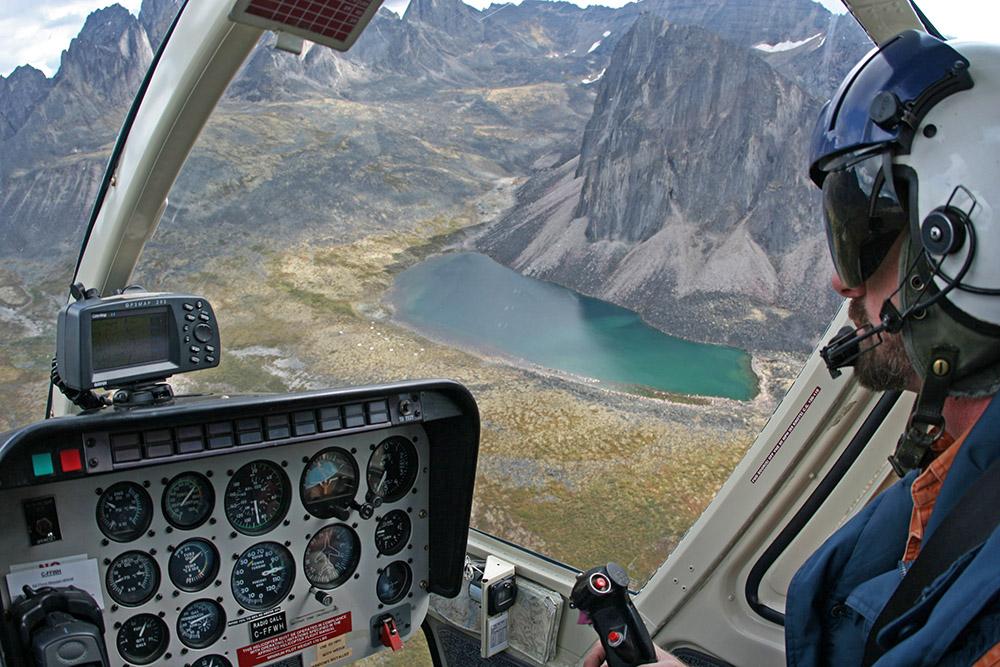 Hubschrauber im Tombstone Territorial Park im Yukon