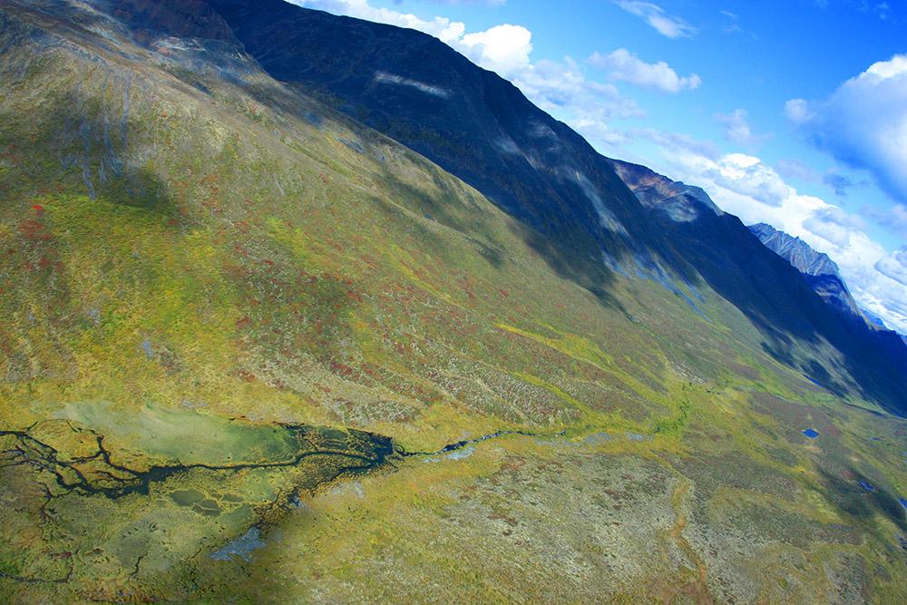 Tundralandschaft im Tombstone Territorial Park im Yukon