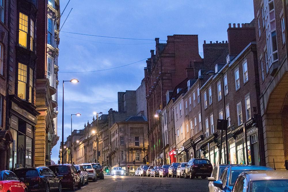 Newcastle bei Nacht