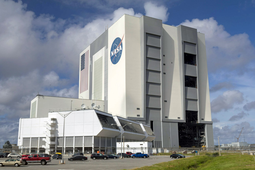 Das Vehicle Assembly Building der NASA gehört zu den größten Gebäuden der Welt. Foto: Thomas Limberg