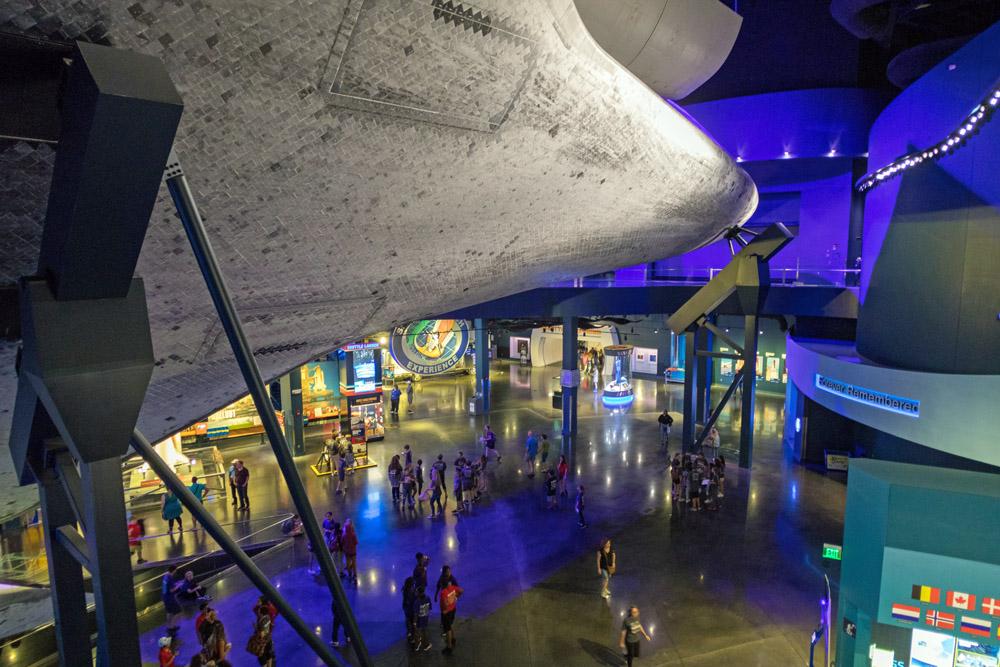 Space Shuttle Atlantis von unten