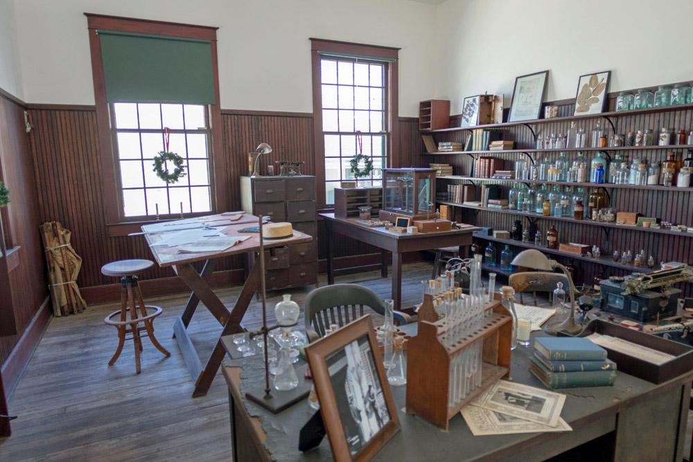 Das Labor von Edison ist noch so eingerichtet, wie der Erfinder es einst verlassen hat.