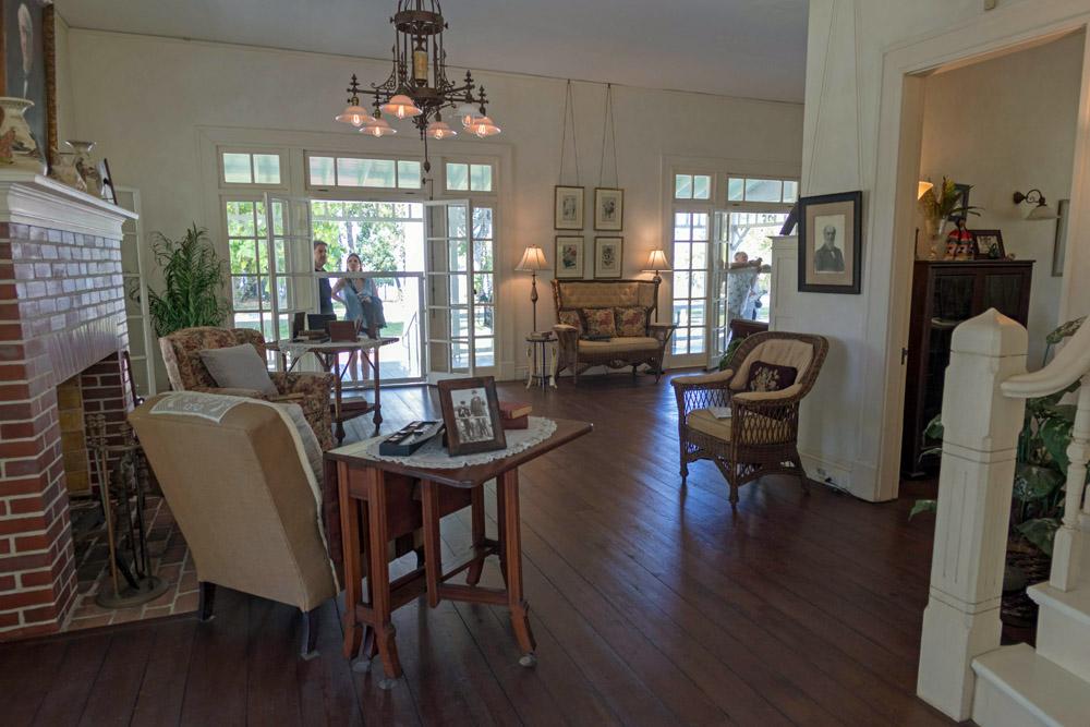 Besucher können direkt in die Räume Edisons schauen.