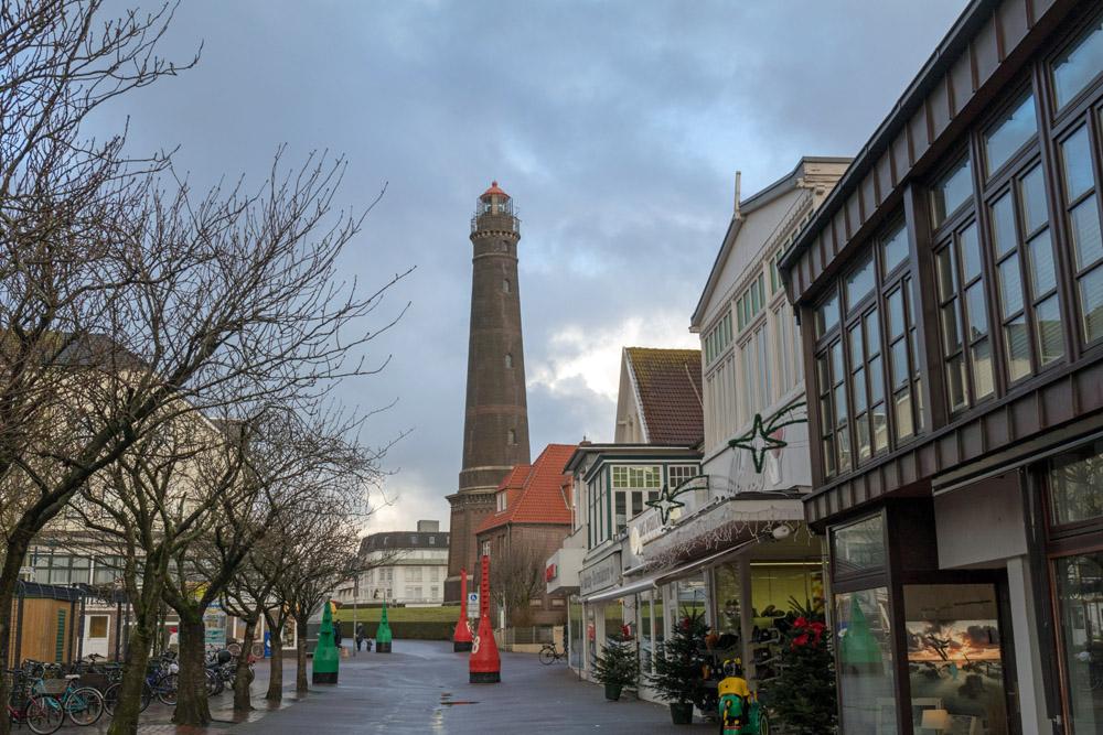 Der neue Leuchtturm ist auf Borkum fast von überall zu sehen.