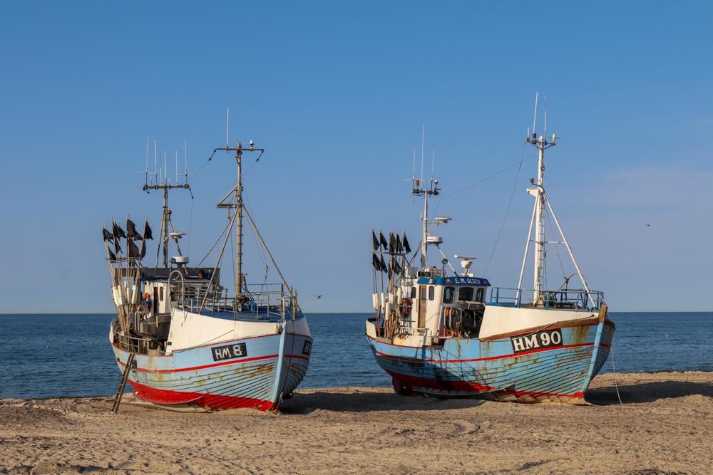 In der Jammerbucht in Dänemark werden die Fischerboote noch auf den Strand gezogen.