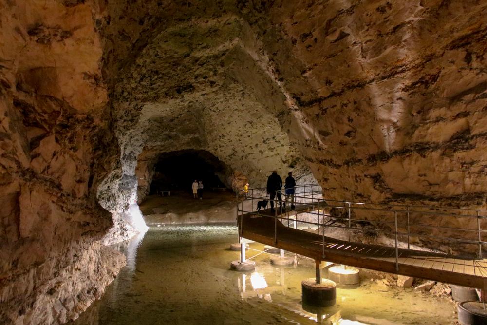 Das unterirdische System der Mønsted-Kalkgruben umfasst Gänge von etwa 60 Kilometern Länge.
