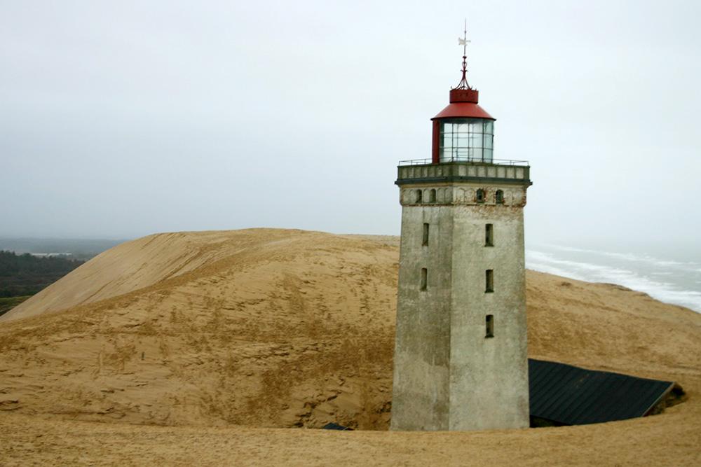 Der Leuchtturm Rubjerg Knude im Jahr 2004.