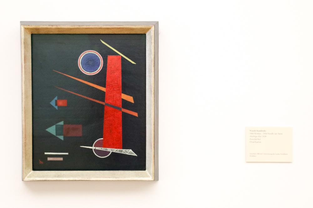 "Wassily Kandinsky, ""Mächtiges Rot"""