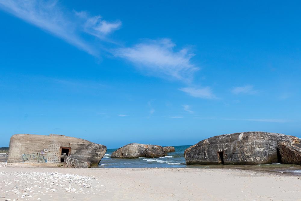Etwas außerhalb von Hanstholm befindet sich bei Visgø dieser Strandabschnitt mit vielen alten Bunkern.