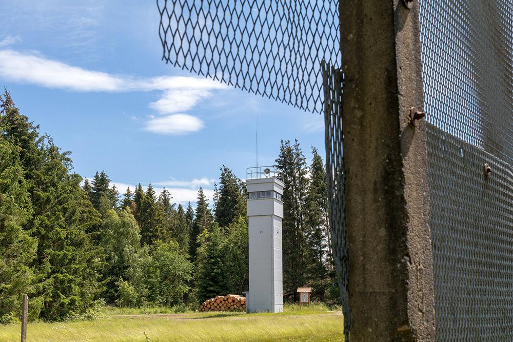 Grenzlandschaft Sorge im Harz mit Wachturm der DDR