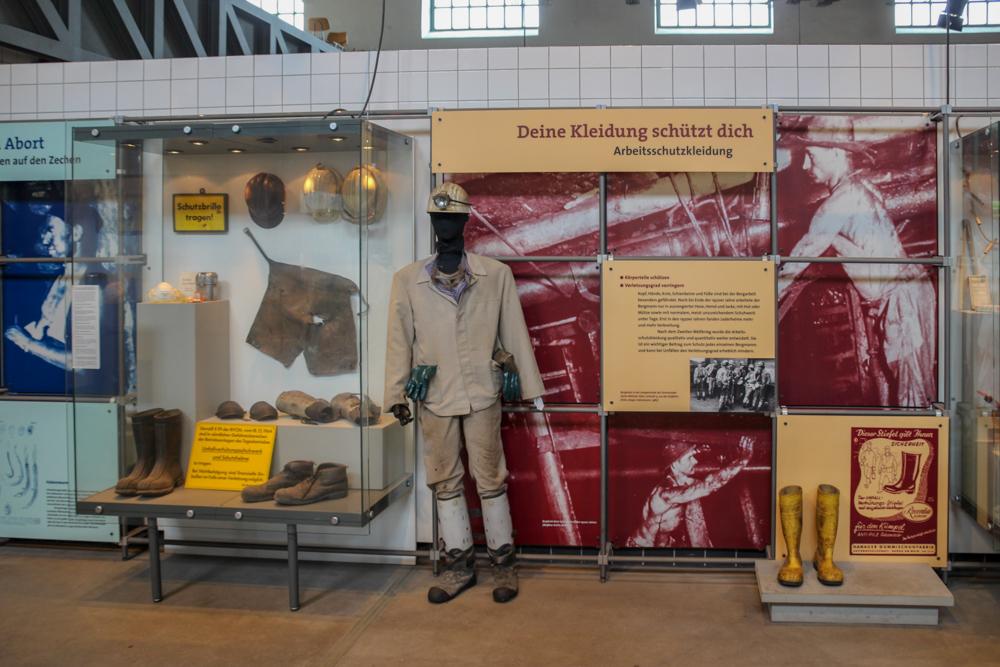 Ausstellung in der Waschkaue der Zeche Zollern in Dortmund im Ruhrgebiet