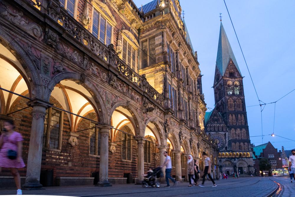 Bremen Rathaus und Dom bei Nacht