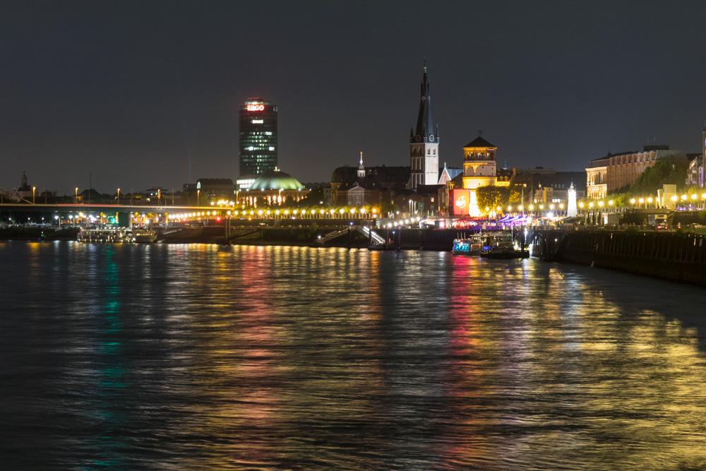 Nachtaufnahme Düsseldorf
