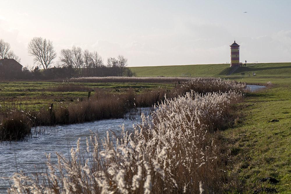 Wandern an der Nordsee zum Pilsumer Leuchtturm