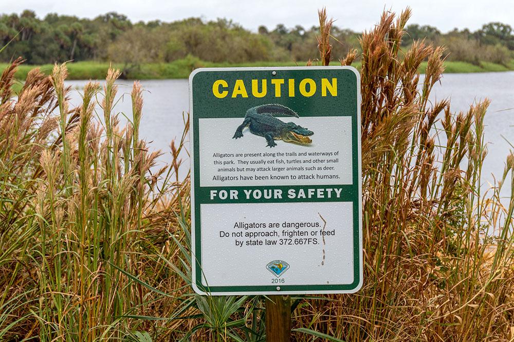 Alligator Warnschild im Myakka River State Park