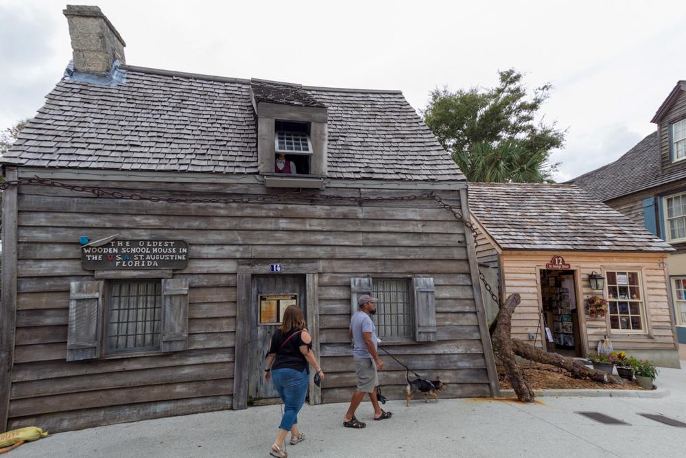 Das älteste hölzerne Schulhaus der USA