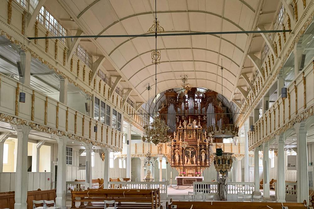 Größte Holzkirche Deutschlands in Clausthal-Zellerfeld im Harz von innen