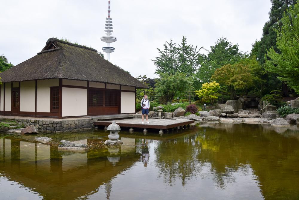 Der Japanische Garten im Park von Planten un Blomen in Hamburg