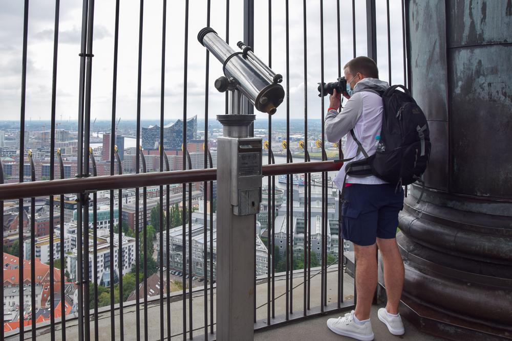 Die Aussichtsplattform vom Michel gehört zu den schönsten Aussichtspunkten in Hamburg
